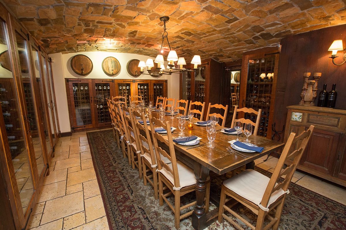 Private banquet room in philadelphia pa estia restaurant for Wine pictures for dining room
